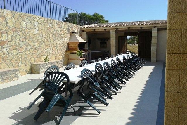 Casa rural arcadia en mula murcia for Barbacoa patio interior